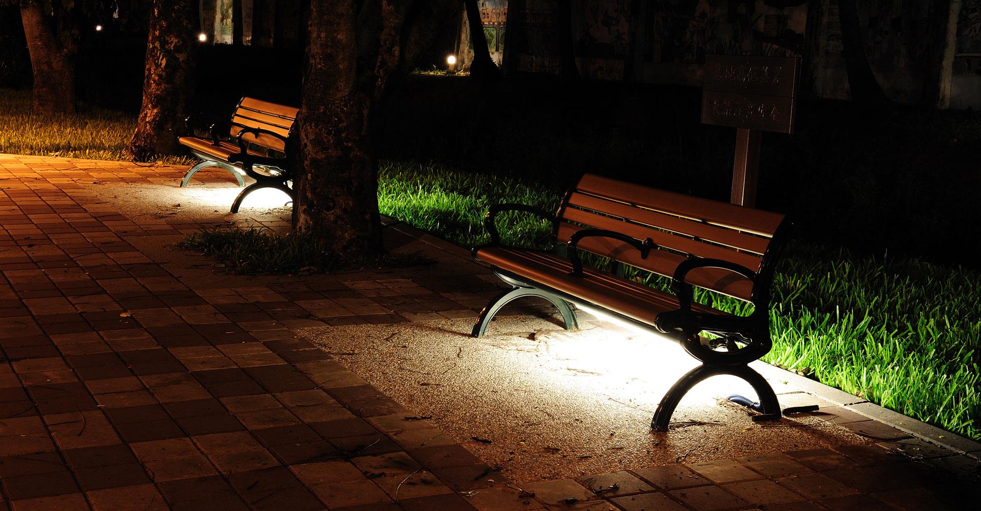 桌燈 led燈泡 燈飾 檯燈 小夜燈, 點亮溫馨的家 - IKEA圖